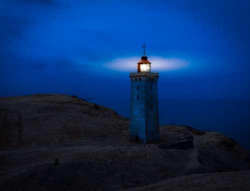 Leuchtturm – Bildbearbeitung von Tag zu Nacht
