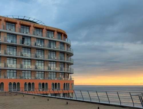 Hotel Azalia in Bulgarien bei Sonnenuntergang